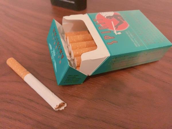 紙巻きタバコ