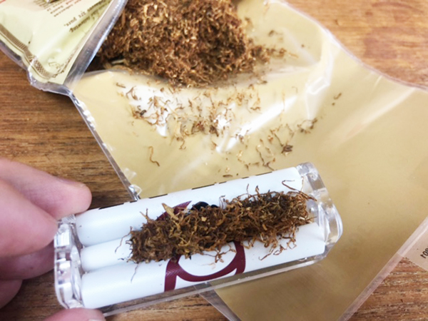 ロウ・オーガニックを手巻きタバコで
